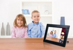 Fit Images Into a Digital Photo Frame With FotoFrame